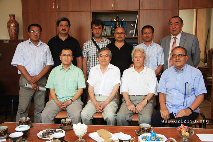 Uyghur awazi geziti Almaty